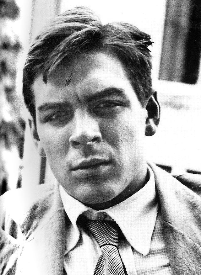 Che Guevara 22 Years Old.  Che as a young man