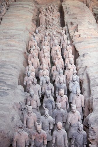 Qin Shi Huang of China buried with 8,000 soldiers