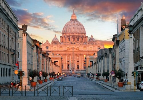 The Illuminati attempted to throw off the Vatican's shackles.