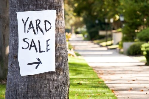 10 Amazing Tips for Haggling at Flea Markets & Yard Sales