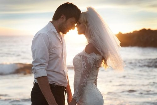 Top 10 Reasons Women Should Get Married in Their 20s