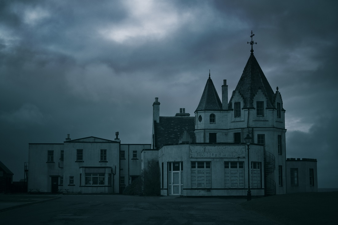10 Scariest Haunted Hotels