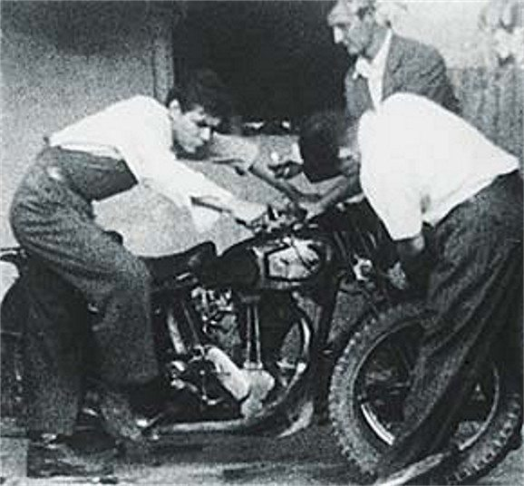 Che Guevara traveled the world.  One of his favorite was to travel was by motorcycle.  Che on the left.