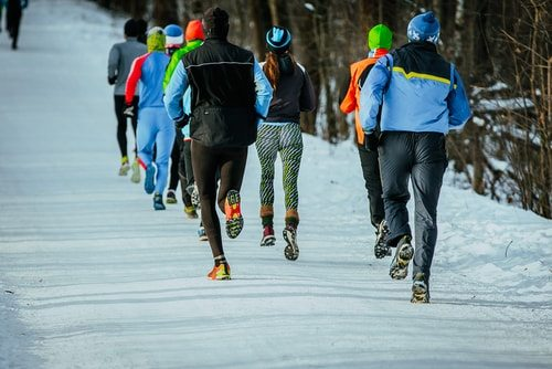 When running in cold weather, take your friends. Do it right!
